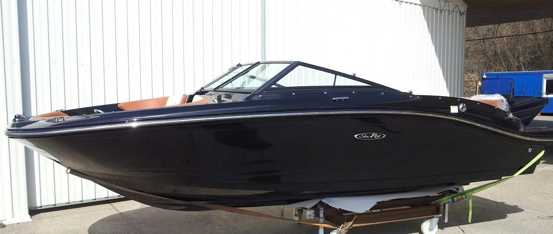 2016 NEW Sea Ray 19SPXE Black Beauty